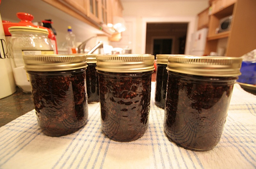homemade strawberry jam preserves canning