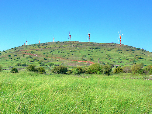 wind tubine golan heights mey golan photo