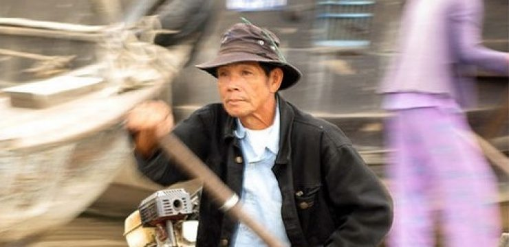 525_floating-market-vietnam.jpg