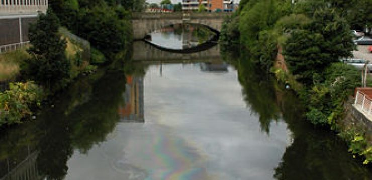 oil-river-pollution.jpg
