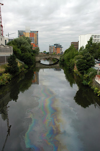 oil-river-pollution