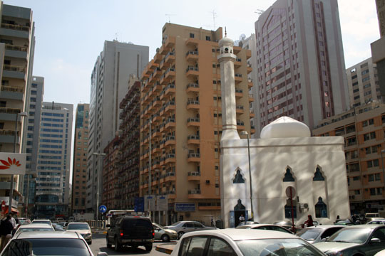 street-downtown-abu-dhabi