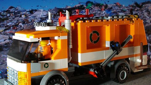 recycling-truck-lego