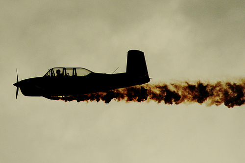 clean-sky-smoke-plane-carbon-offset-photo
