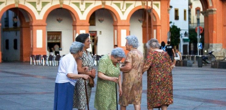 senior-women-old-women-spain.jpg