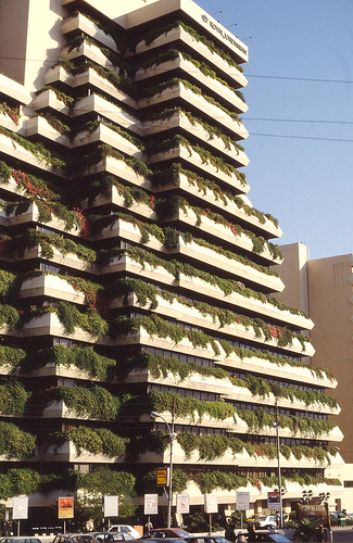 Jordanian Sustainable Building Conference Encourages Everyone to Think Green