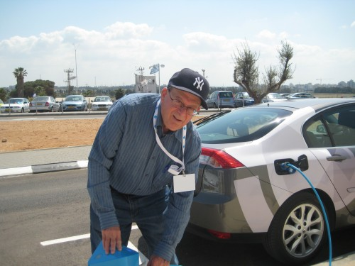 "Maurice Test Drives The Better Place Electric Car: ""Like a Dragster"""