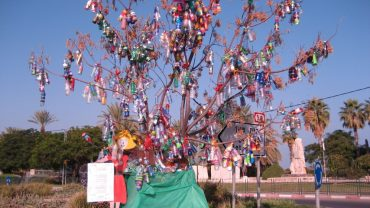 """""""Hope Tree"""" of Bottles for the Sea of Galilee"""