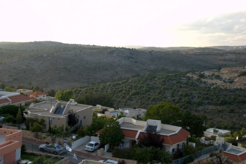 Kfar Vradim in the Galilee Cuts Back on Garbage