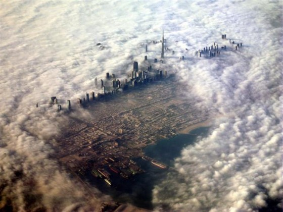 dubai from clouds