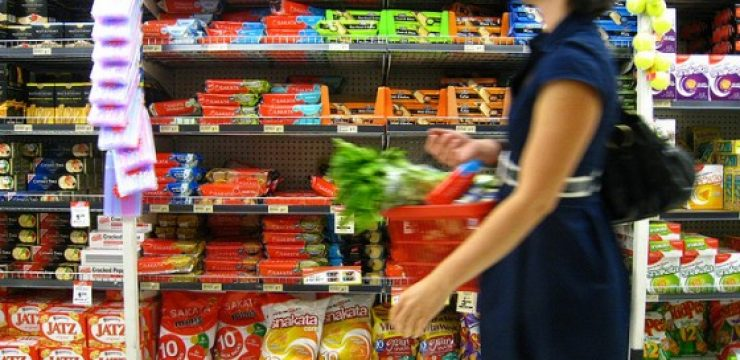 young-woman-grocery.jpg