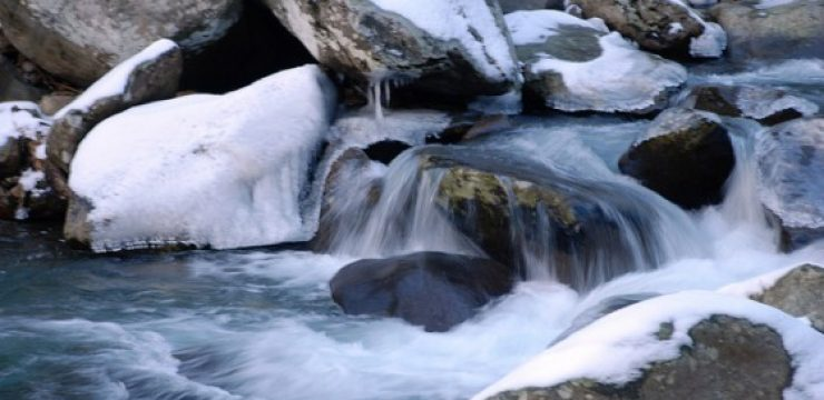 water-flowing-rocks1.jpg