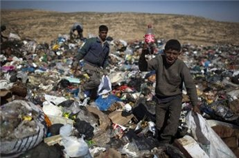 palestinian trash workers