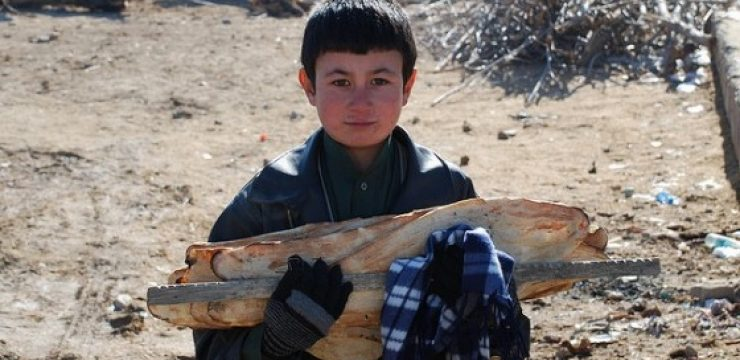 afghan-boy-bread.jpg