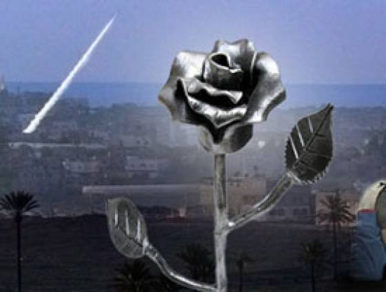 Israeli Artist Transforms Rockets Into Roses