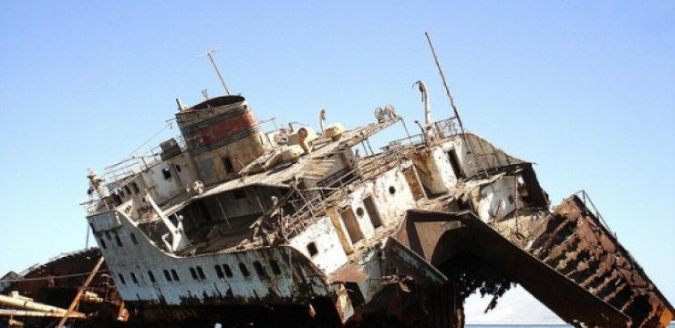 shipwreck-and-red-sea.jpg