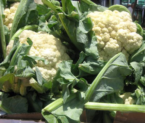 image-cauliflower-with-leaves
