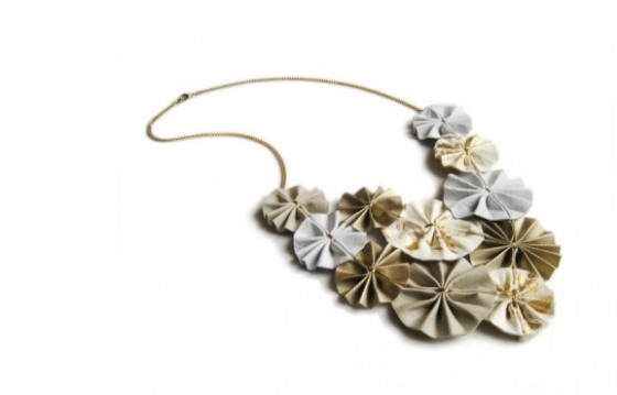 """origami paper necklace"""