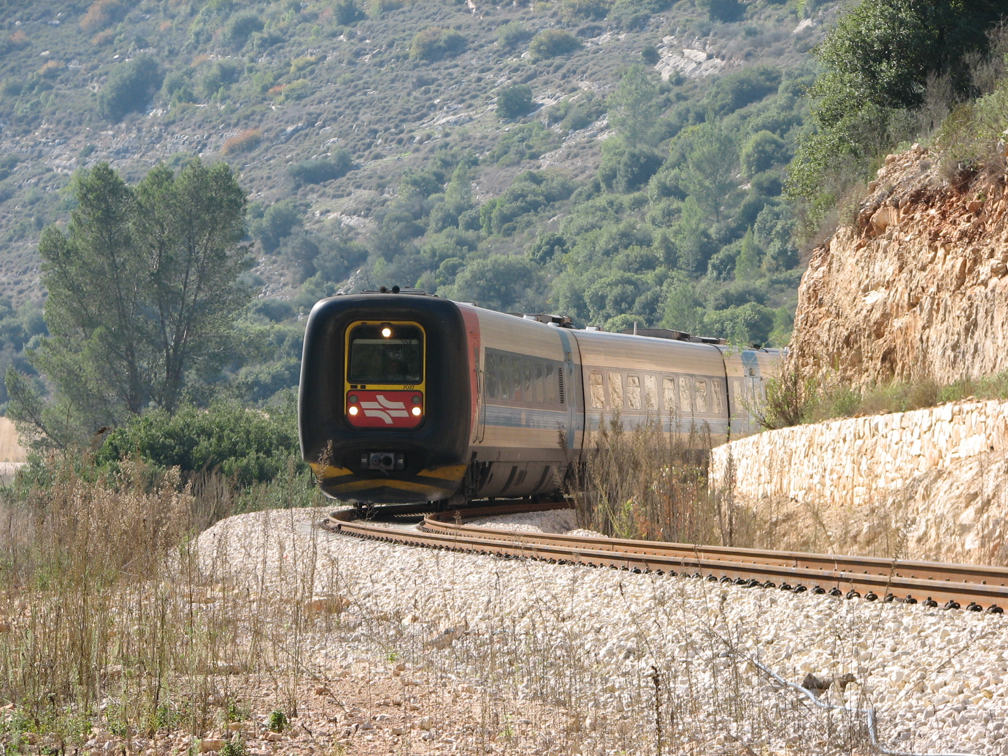Jerusalem's Train Track Park Isn't at all Like NYC's High Line