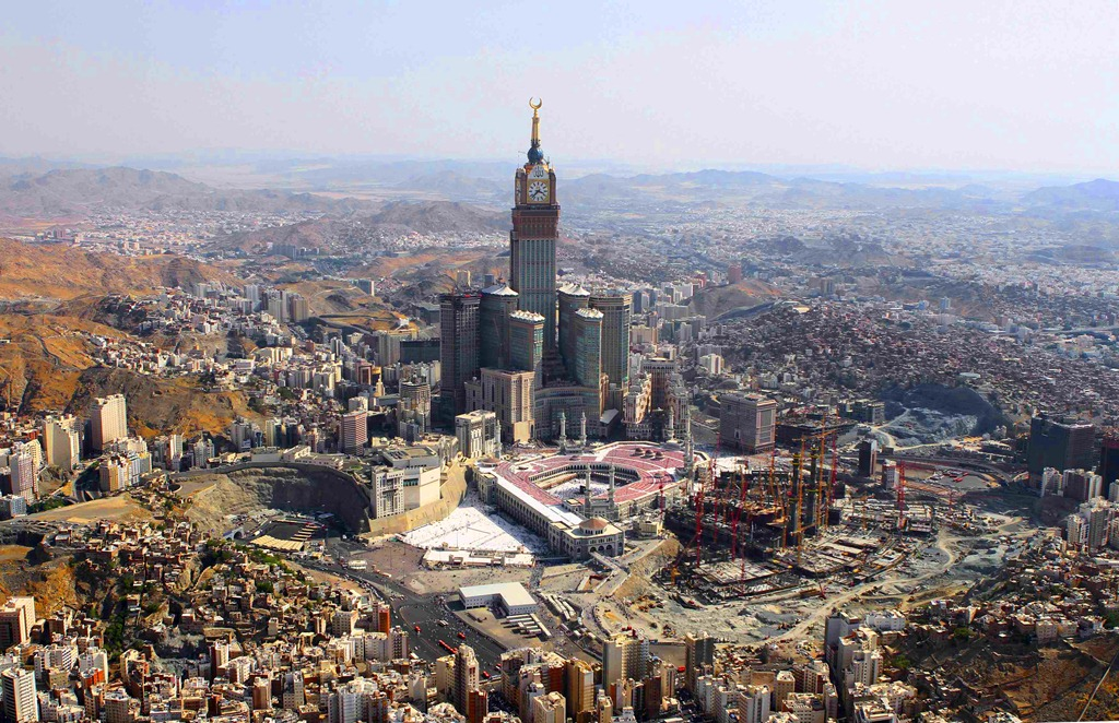 Saudi's Mecca is Becoming a Holy Sprawl
