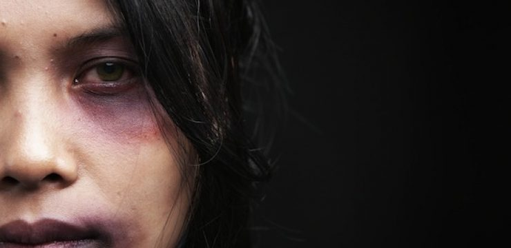 abused-woman-lebanon.jpg