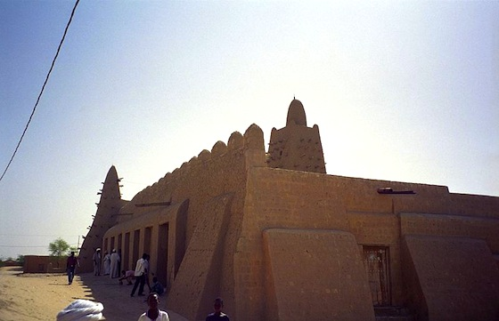 Armed Islamists Destroy Timbuktu's Mud Architecture