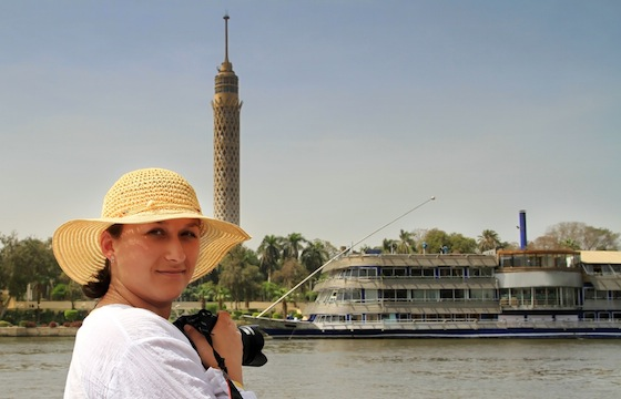 nile cruise woman with hat