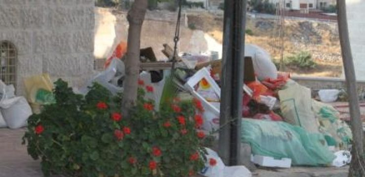 Jabal-Amman-trash1.jpg