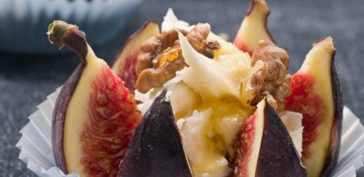 fresh-figs-with-cheese-walnuts-and-honey.jpg
