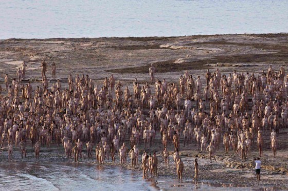 naked-dead-sea-spencer-tunick.jpeg