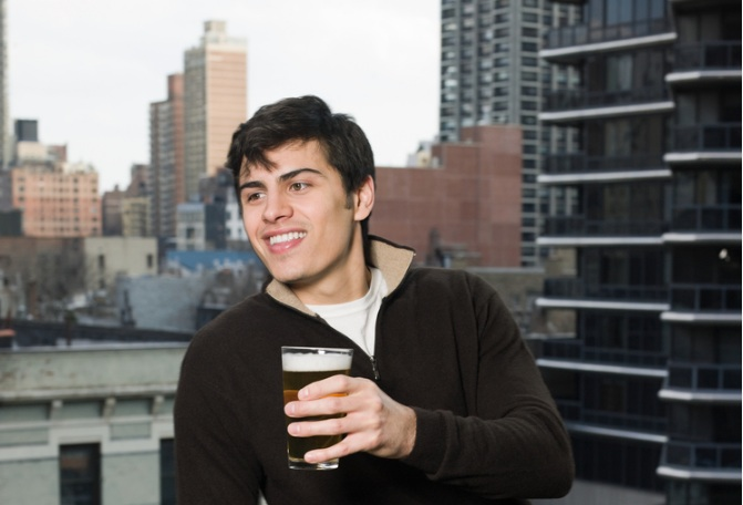 white-house-beer-recipe-man-balcony-beer
