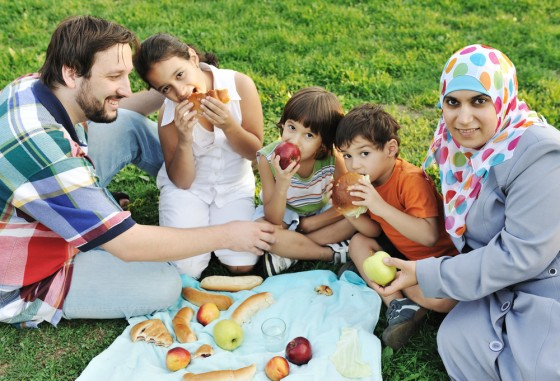 arab family eating picnic