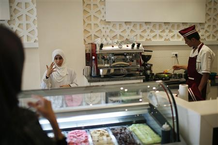 image-worker-gaza-deaf-restaurant