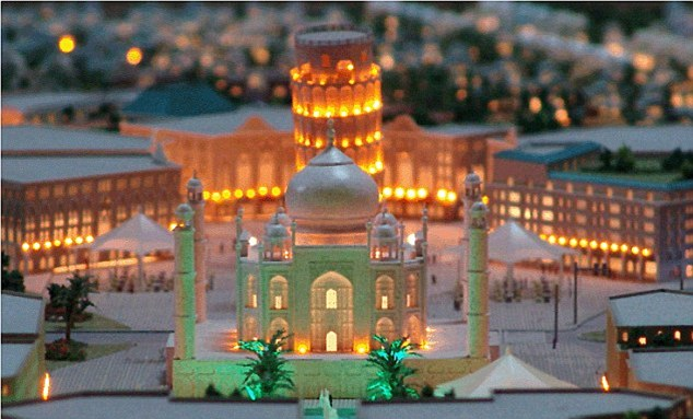 Dubai to Build Replica of Taj Mahal – Four Times Bigger than Original