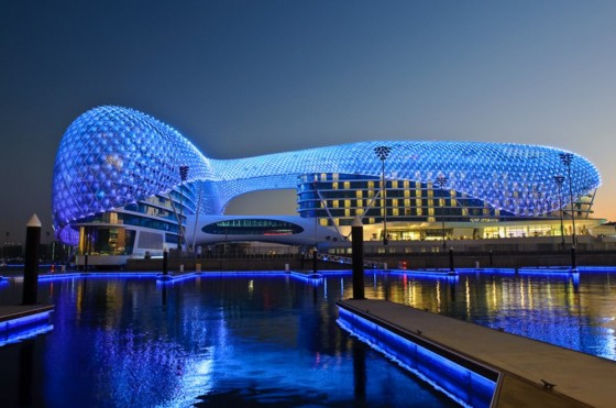 5 star yas hotel lit up by a dazzling crown of 5 000 led for 5 hotels in dubai