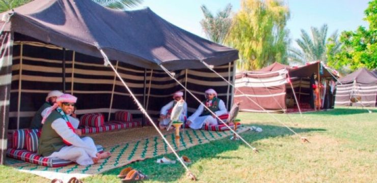 al-ain-zoo-united-arab-emirates-tent-men.jpg