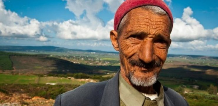 arab-man-red-hat-nature.jpg