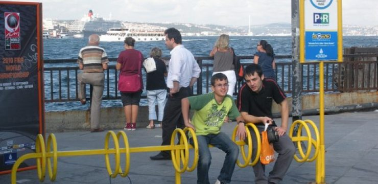 bicycle-racks-in-istanbul.jpg