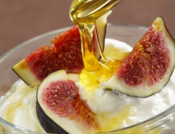 fig yoghurt and honey