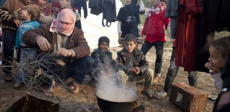 syria-cooking-warm-soup-refugees-560x3431.jpg