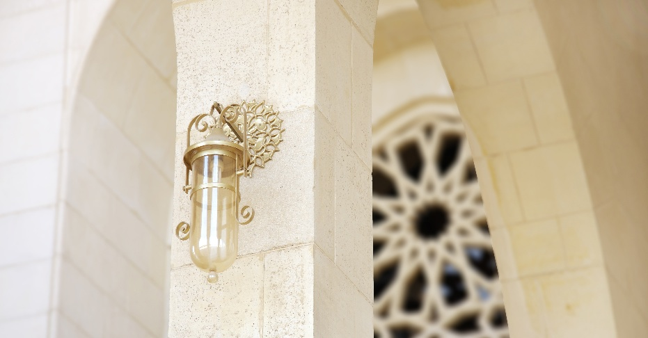 light in mosque, Bahrain