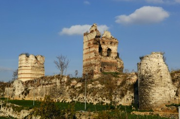Bulldozers Raze Ancient Urban Farm in Turkey