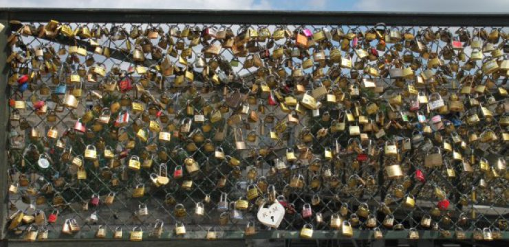 Paris-love-locks.jpg