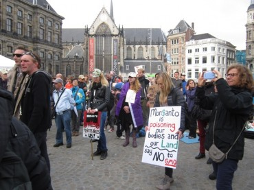 World Food Day Rally Slams Chemical Giant Monsanto in Amsterdam