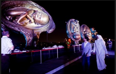 "Damien Hirst's Birth Sculptures Challenges Doha's Sense of ""Science"""
