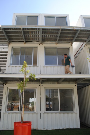 Sustainable student village from shipping containers!