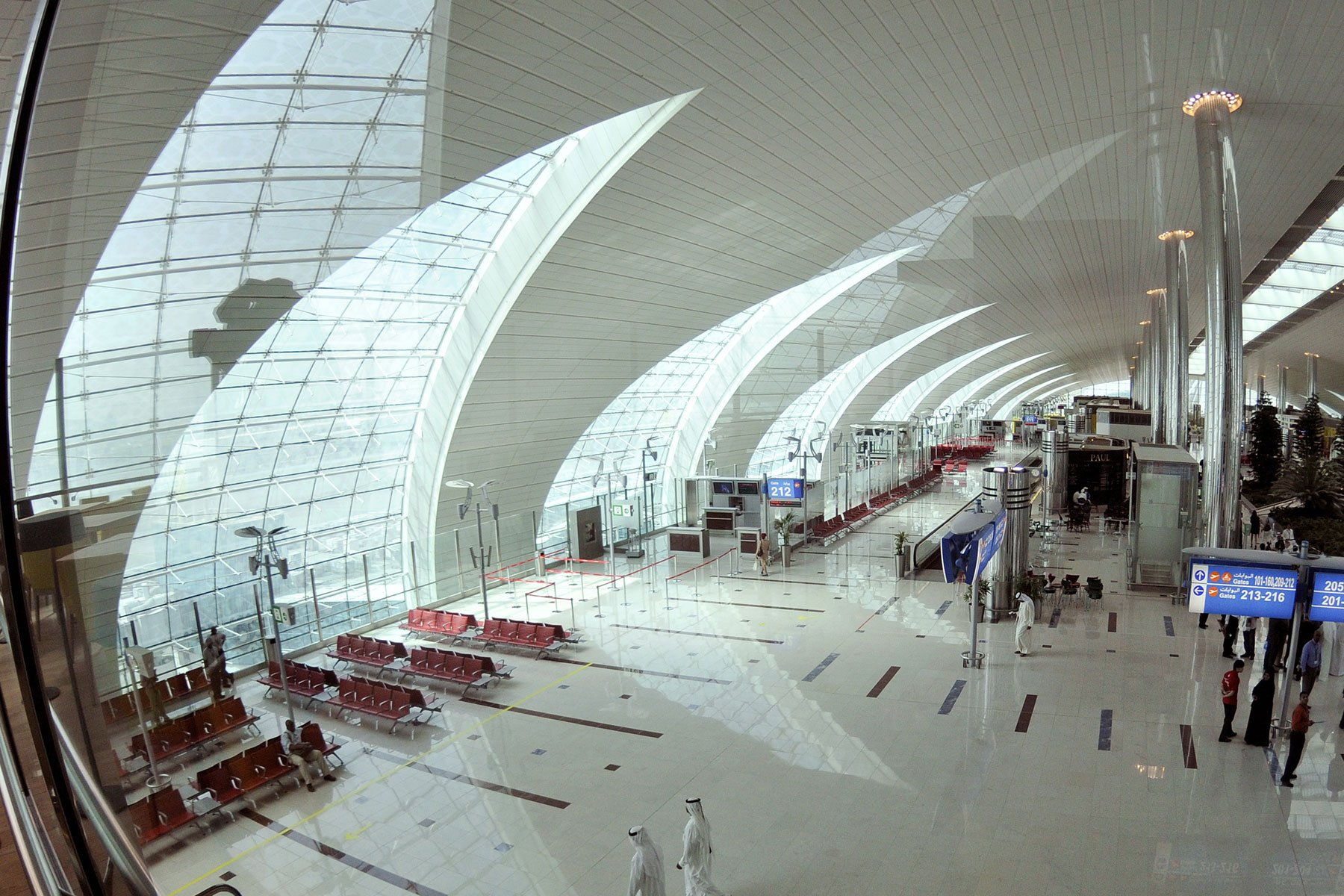 dubai international airport Passengers visiting dubai millennium dubai airport millennium dubai airport is located near the airport terminal millennium dubai airport hotel is a perfect place to stay on a short stopover in dubai it is also a convenient place to hold a business meeting while visiting dubai.