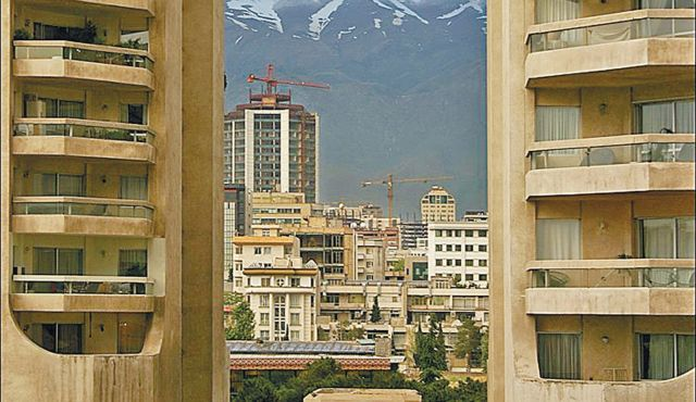 "Un-Islamic critics want to veil ""shameless"" private parts of buildings in Iran"