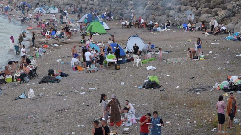 Tons of trash left at picnic sites by Israelis after Passover