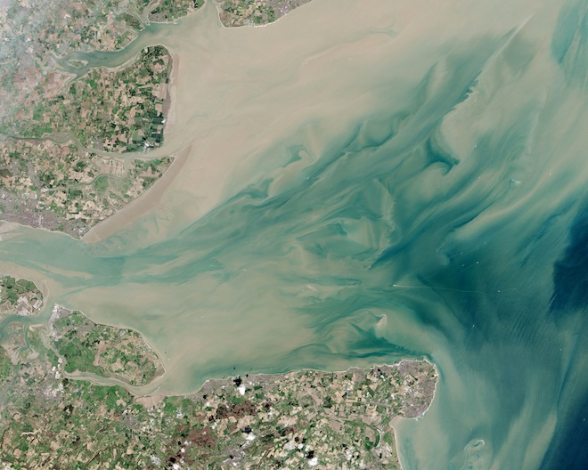 London Array, NASA photos, Earth Observatory, world's largest wind farm, London Array, wind energy, clean tech, wind farm from space,